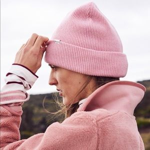 Madewell Cuff Beanie in Pink